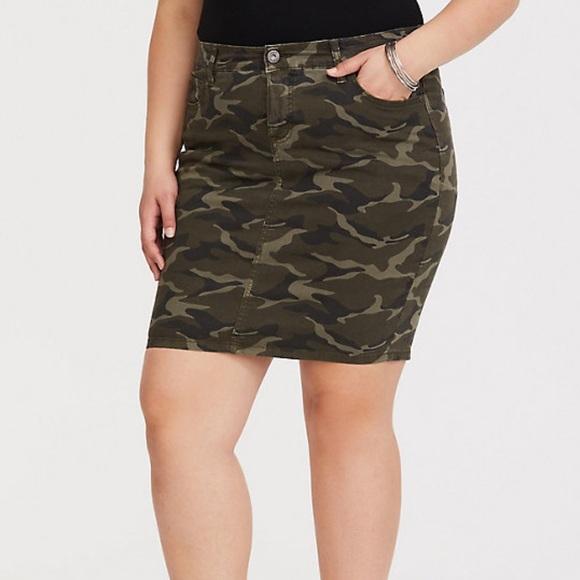 torrid Dresses & Skirts - Torrid Twill Camo Skirt NWT Size 16